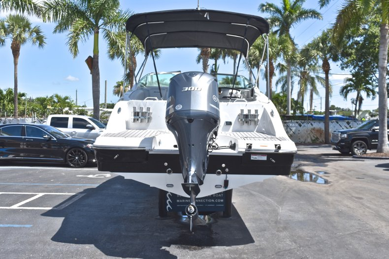 Thumbnail 6 for New 2018 Hurricane SunDeck SD 2690 OB boat for sale in West Palm Beach, FL