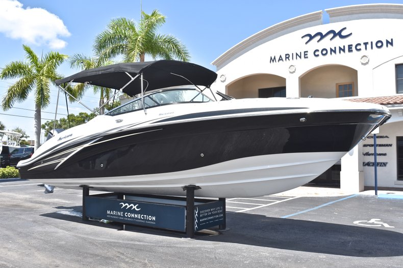 Thumbnail 1 for New 2018 Hurricane SunDeck SD 2690 OB boat for sale in West Palm Beach, FL