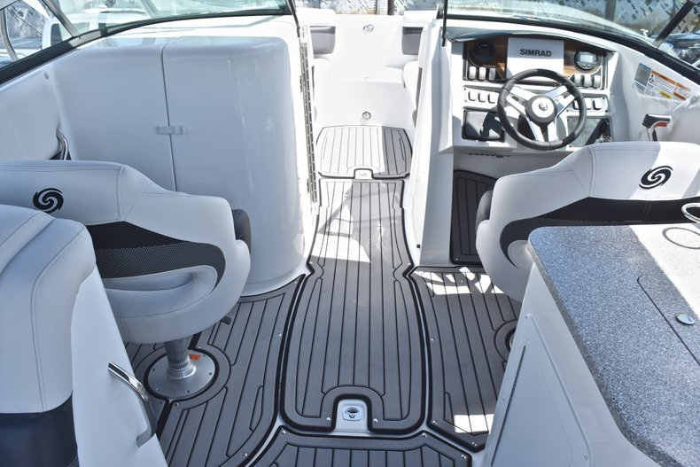 Thumbnail 28 for New 2018 Hurricane SunDeck SD 2690 OB boat for sale in West Palm Beach, FL