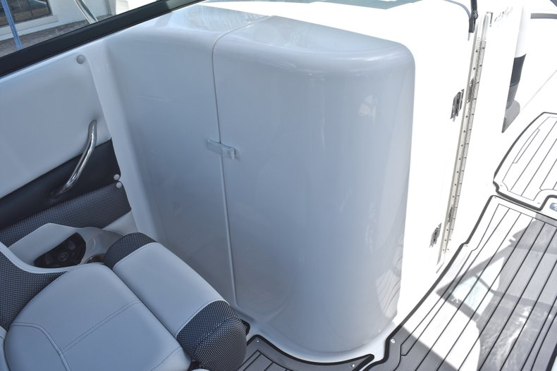 Thumbnail 41 for New 2018 Hurricane SunDeck SD 2690 OB boat for sale in West Palm Beach, FL