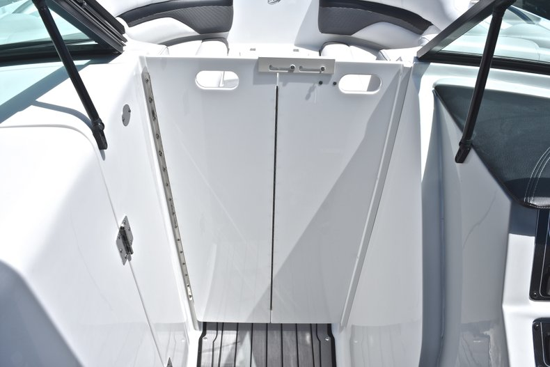 Thumbnail 44 for New 2018 Hurricane SunDeck SD 2690 OB boat for sale in West Palm Beach, FL