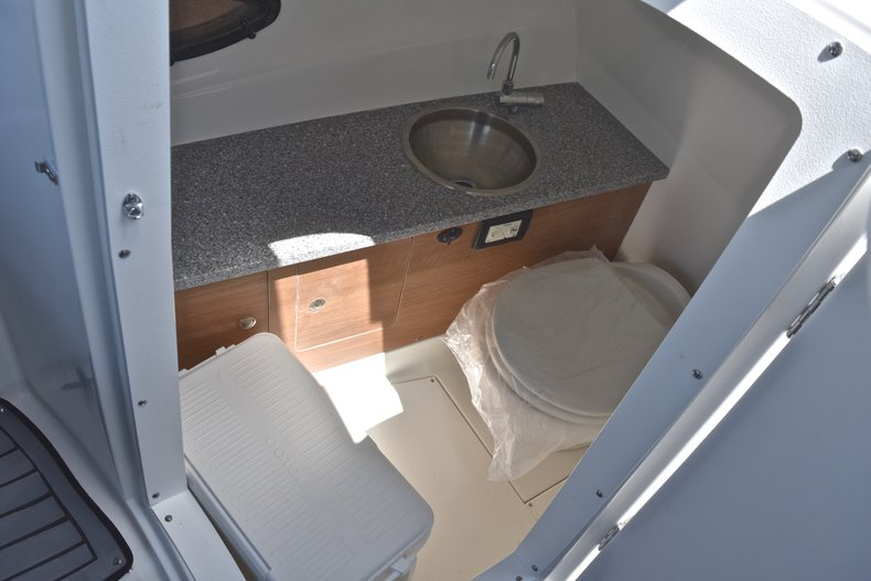 Thumbnail 42 for New 2018 Hurricane SunDeck SD 2690 OB boat for sale in West Palm Beach, FL