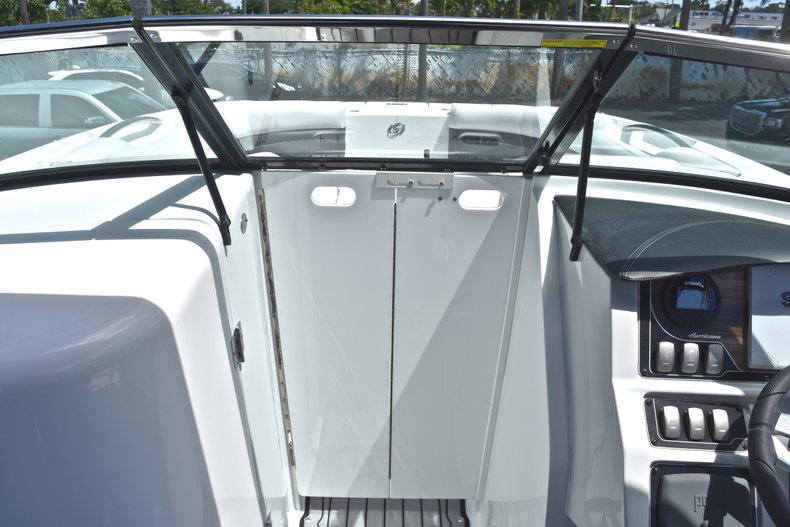 Thumbnail 45 for New 2018 Hurricane SunDeck SD 2690 OB boat for sale in West Palm Beach, FL
