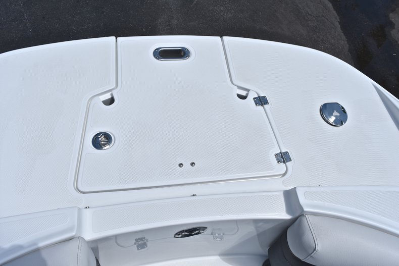 Thumbnail 54 for New 2018 Hurricane SunDeck SD 2690 OB boat for sale in West Palm Beach, FL