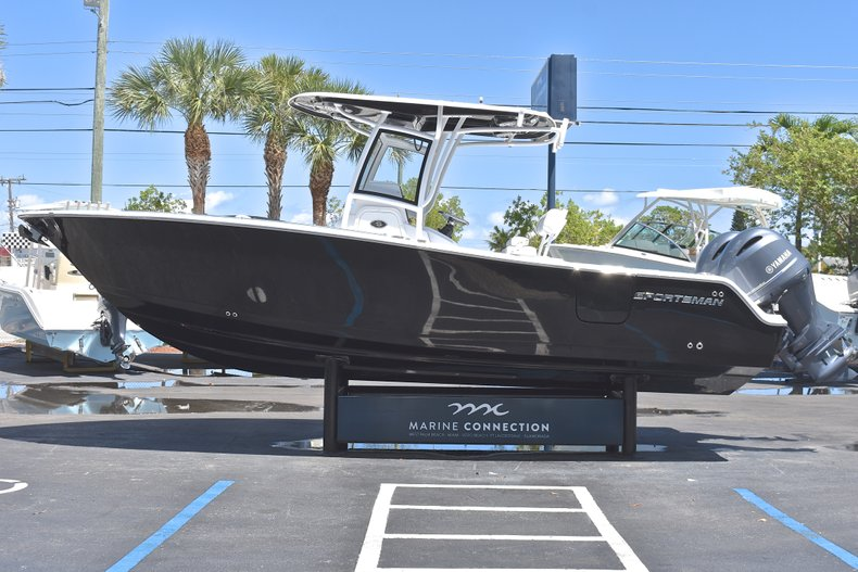 Thumbnail 5 for New 2018 Sportsman Open 252 Center Console boat for sale in West Palm Beach, FL