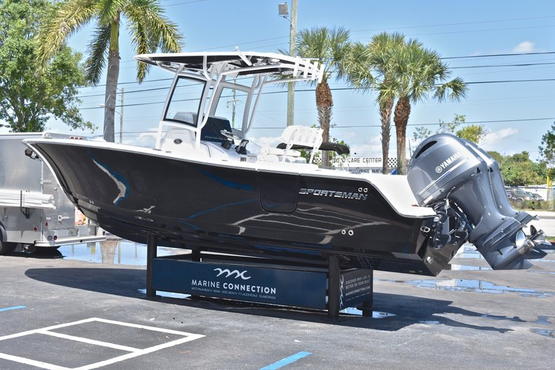 Thumbnail 6 for New 2018 Sportsman Open 252 Center Console boat for sale in West Palm Beach, FL