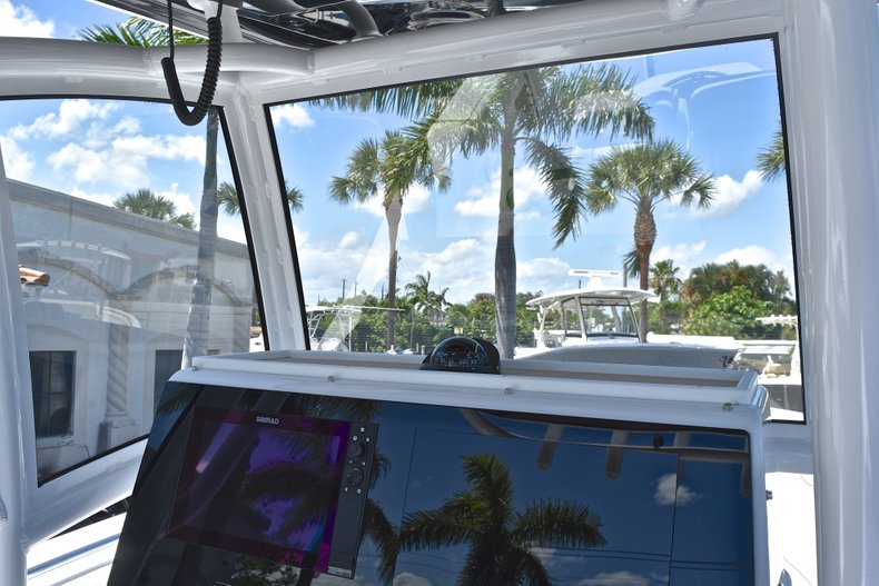 Thumbnail 39 for New 2018 Sportsman Open 252 Center Console boat for sale in West Palm Beach, FL