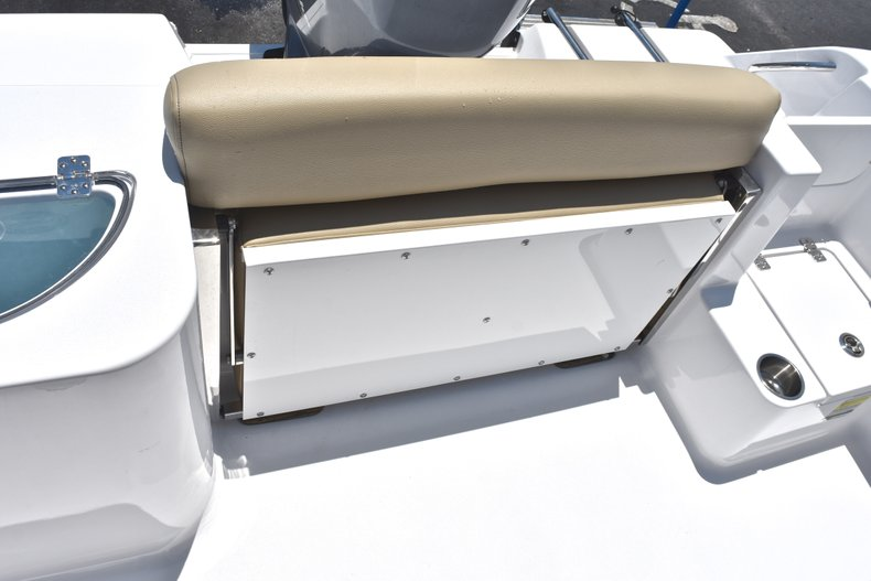 Thumbnail 14 for New 2018 Sportsman Open 212 Center Console boat for sale in West Palm Beach, FL