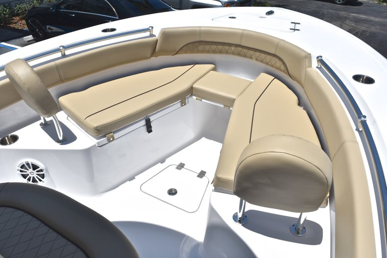 Thumbnail 40 for New 2018 Sportsman Open 212 Center Console boat for sale in West Palm Beach, FL