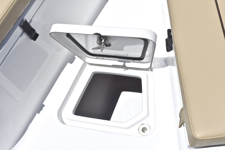 Thumbnail 44 for New 2018 Sportsman Open 212 Center Console boat for sale in West Palm Beach, FL
