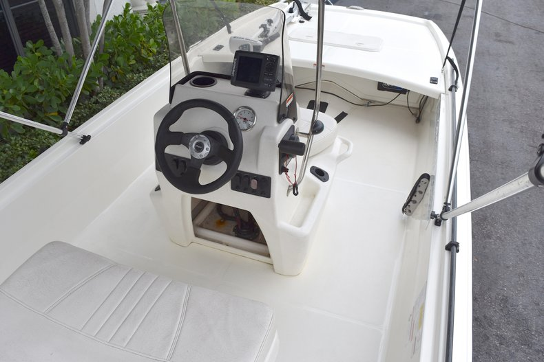 Thumbnail 5 for Used 2013 Mako Pro Skiff 17 Center Console boat for sale in West Palm Beach, FL