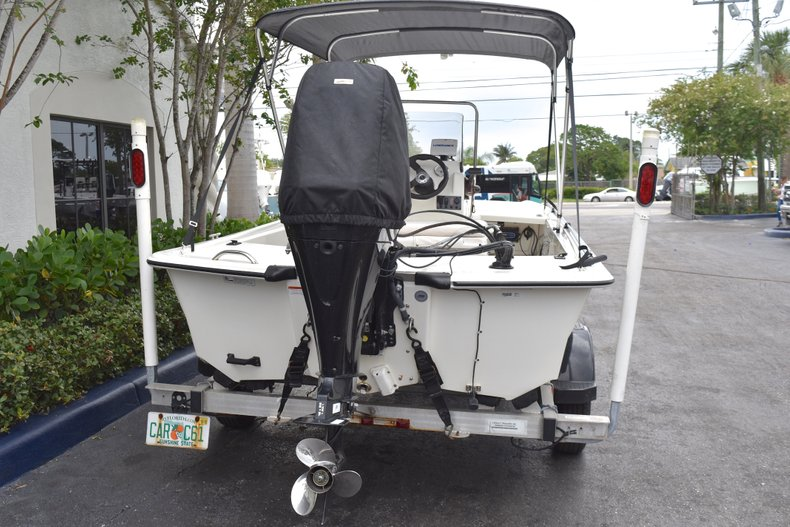 Thumbnail 4 for Used 2013 Mako Pro Skiff 17 Center Console boat for sale in West Palm Beach, FL