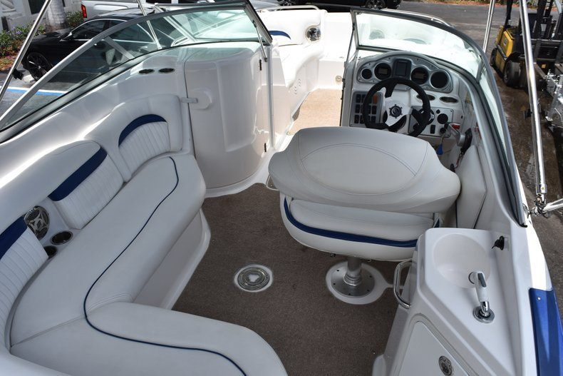 Thumbnail 8 for Used 2010 Hurricane SunDeck SD 2200 OB boat for sale in West Palm Beach, FL