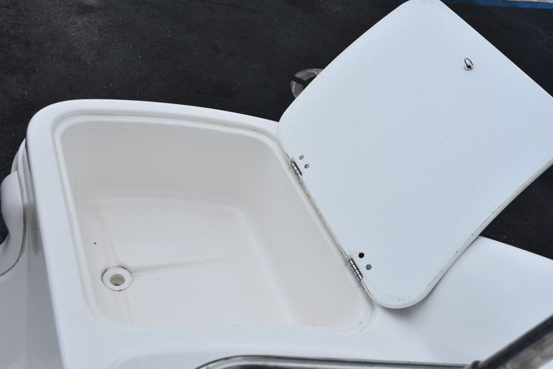 Thumbnail 12 for Used 2010 Hurricane SunDeck SD 2200 OB boat for sale in West Palm Beach, FL