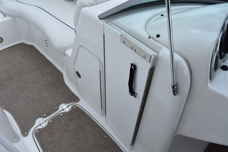 Thumbnail 33 for Used 2010 Hurricane SunDeck SD 2200 OB boat for sale in West Palm Beach, FL