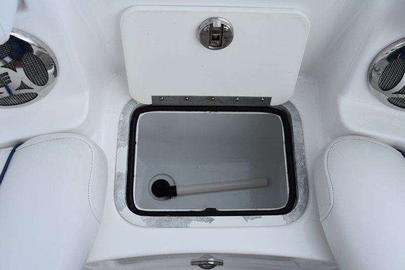 Thumbnail 42 for Used 2010 Hurricane SunDeck SD 2200 OB boat for sale in West Palm Beach, FL