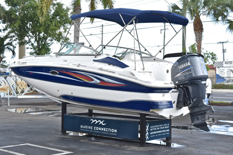 Thumbnail 5 for Used 2010 Hurricane SunDeck SD 2200 OB boat for sale in West Palm Beach, FL