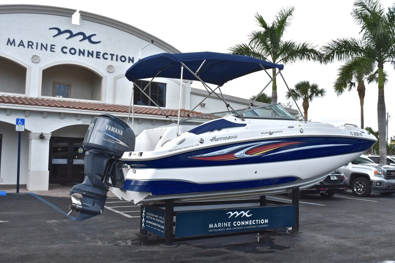 Thumbnail 7 for Used 2010 Hurricane SunDeck SD 2200 OB boat for sale in West Palm Beach, FL