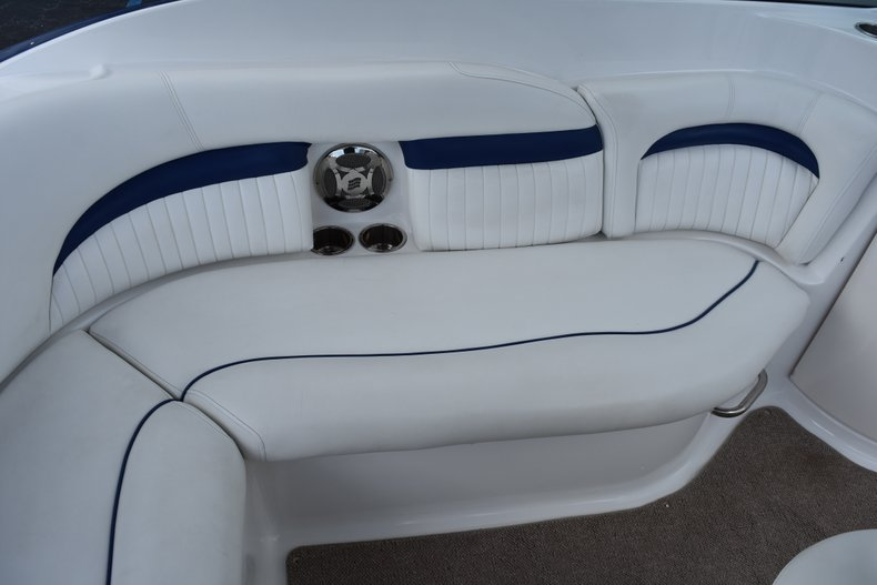 Thumbnail 16 for Used 2010 Hurricane SunDeck SD 2200 OB boat for sale in West Palm Beach, FL