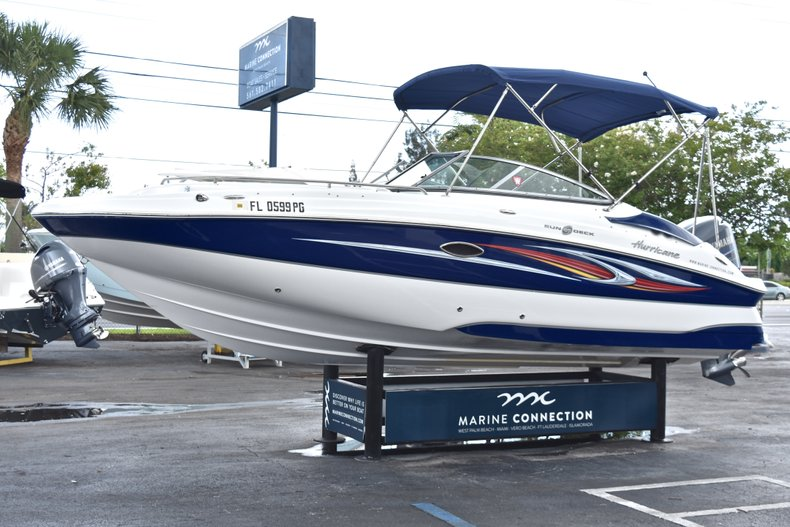 Thumbnail 3 for Used 2010 Hurricane SunDeck SD 2200 OB boat for sale in West Palm Beach, FL