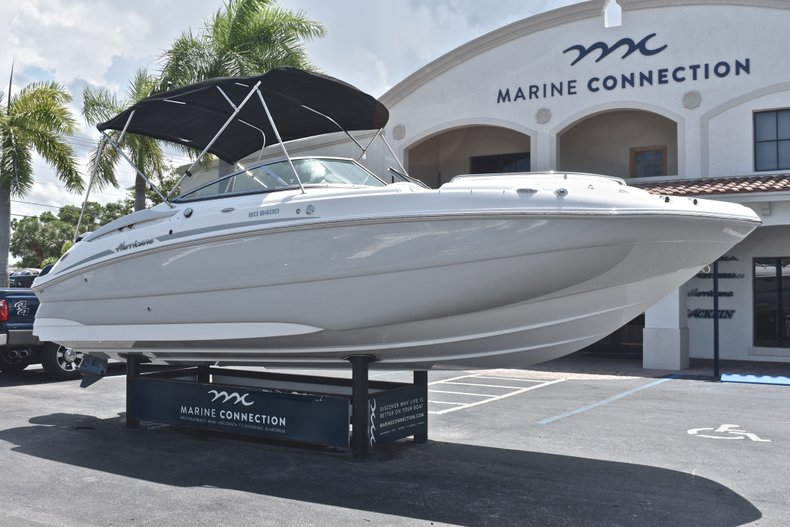 Thumbnail 1 for New 2018 Hurricane SunDeck SD 2400 OB boat for sale in West Palm Beach, FL