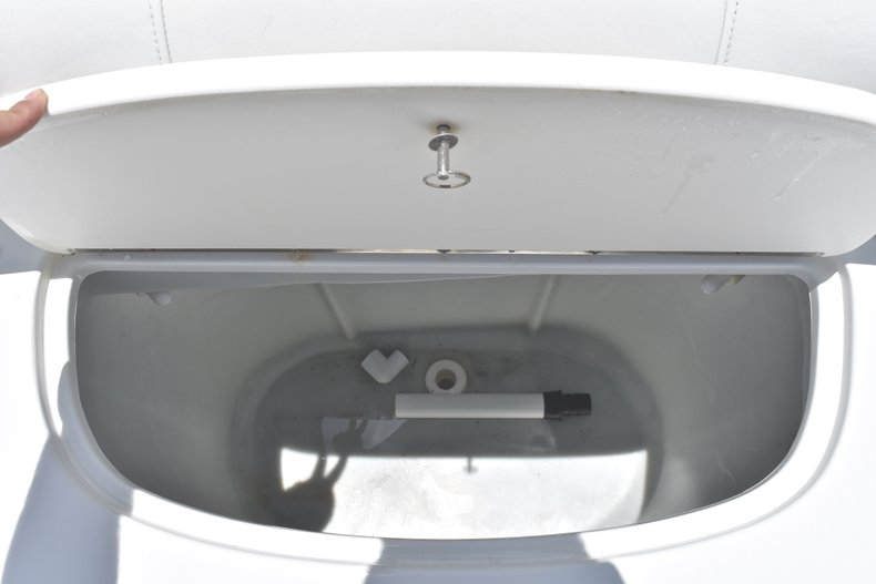 Thumbnail 18 for Used 2007 Polar 2100 WA boat for sale in West Palm Beach, FL