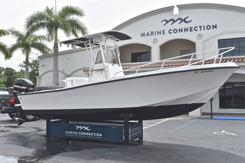 Thumbnail 1 for Used 1998 Mako 232 Center Console boat for sale in West Palm Beach, FL