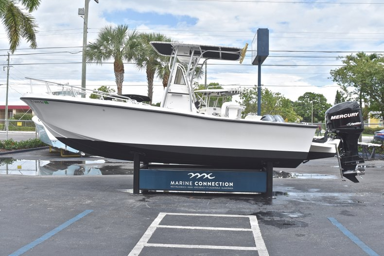 Thumbnail 4 for Used 1998 Mako 232 Center Console boat for sale in West Palm Beach, FL
