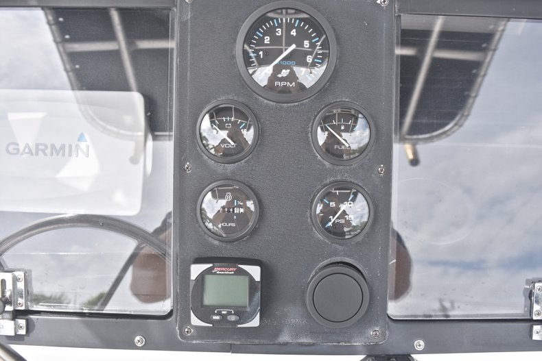 Thumbnail 31 for Used 1998 Mako 232 Center Console boat for sale in West Palm Beach, FL