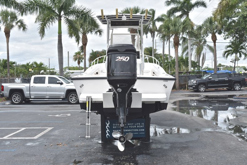 Thumbnail 6 for Used 1998 Mako 232 Center Console boat for sale in West Palm Beach, FL