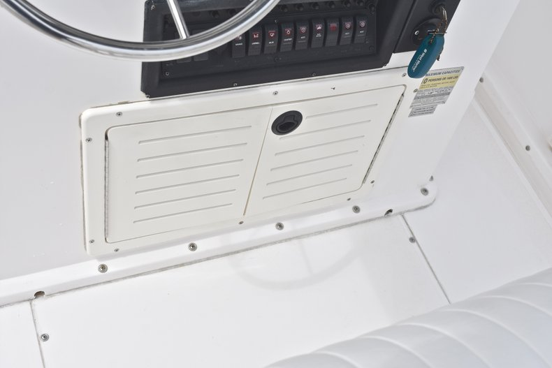Thumbnail 36 for Used 1998 Mako 232 Center Console boat for sale in West Palm Beach, FL