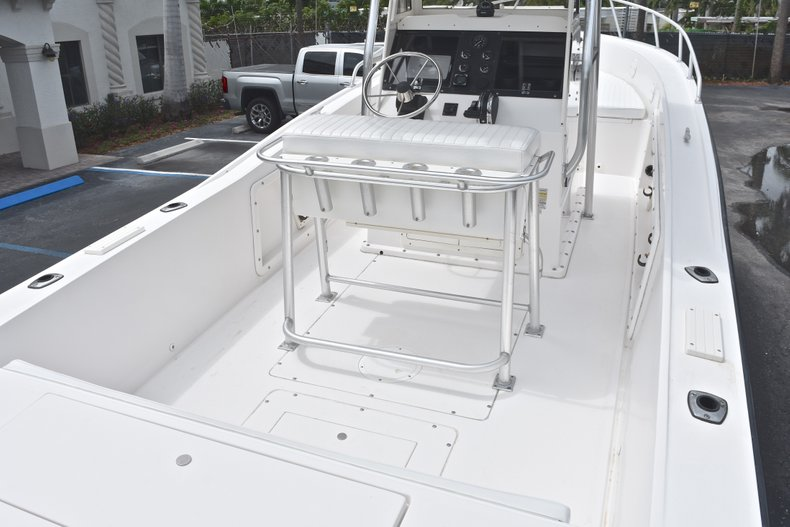 Thumbnail 9 for Used 1998 Mako 232 Center Console boat for sale in West Palm Beach, FL