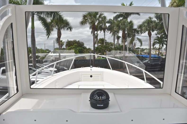 Thumbnail 27 for Used 1998 Mako 232 Center Console boat for sale in West Palm Beach, FL