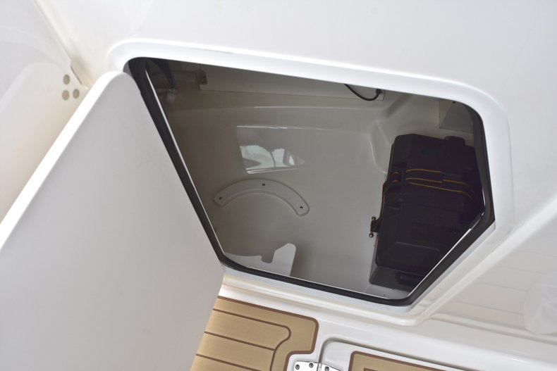 Thumbnail 71 for Used 2017 Boston Whaler 270 Vantage boat for sale in West Palm Beach, FL