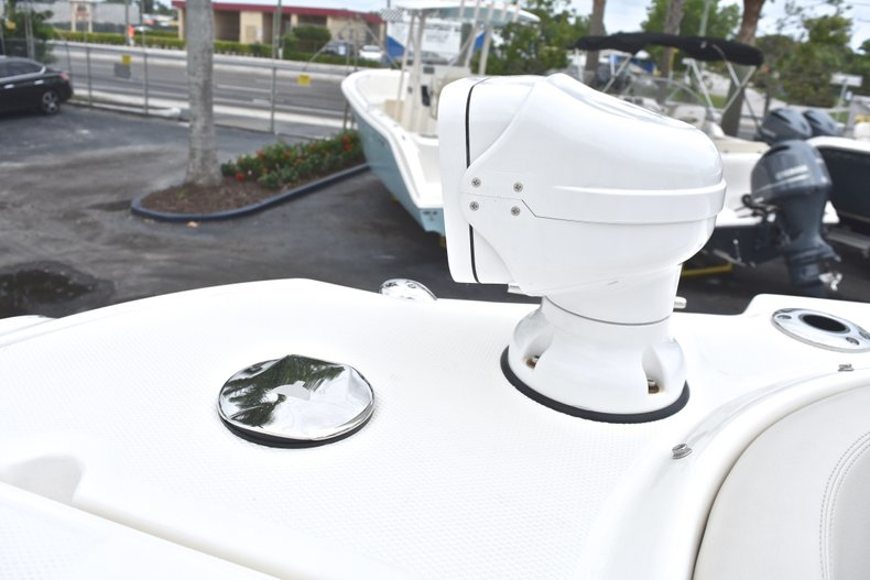 Thumbnail 79 for Used 2017 Boston Whaler 270 Vantage boat for sale in West Palm Beach, FL