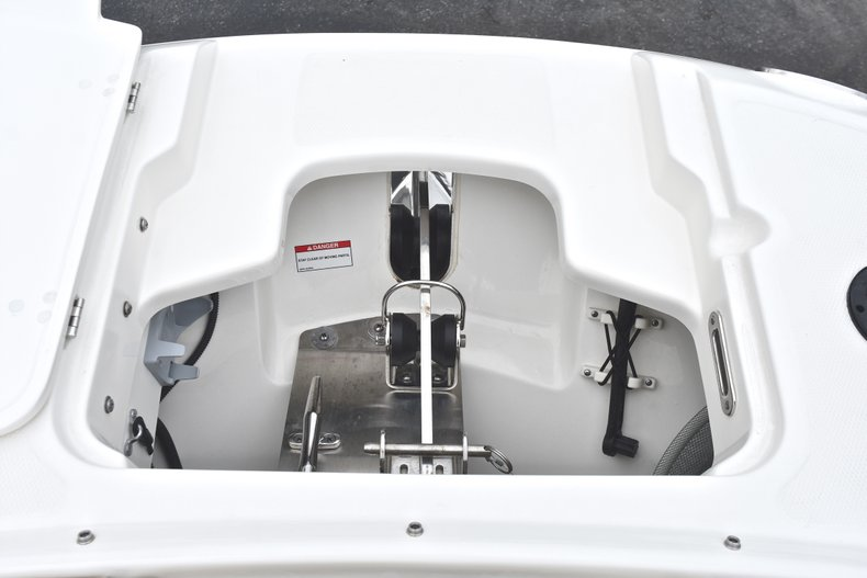 Thumbnail 80 for Used 2017 Boston Whaler 270 Vantage boat for sale in West Palm Beach, FL