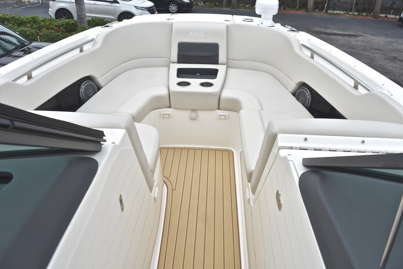 Thumbnail 72 for Used 2017 Boston Whaler 270 Vantage boat for sale in West Palm Beach, FL