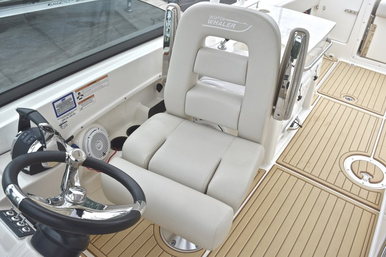 Thumbnail 47 for Used 2017 Boston Whaler 270 Vantage boat for sale in West Palm Beach, FL