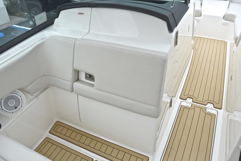 Thumbnail 44 for Used 2017 Boston Whaler 270 Vantage boat for sale in West Palm Beach, FL