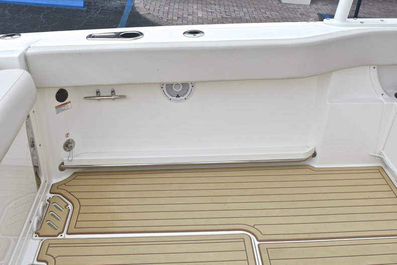 Thumbnail 28 for Used 2017 Boston Whaler 270 Vantage boat for sale in West Palm Beach, FL
