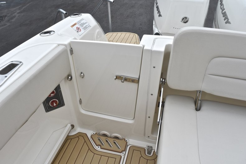 Thumbnail 17 for Used 2017 Boston Whaler 270 Vantage boat for sale in West Palm Beach, FL