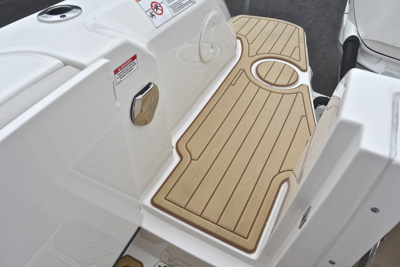 Thumbnail 18 for Used 2017 Boston Whaler 270 Vantage boat for sale in West Palm Beach, FL