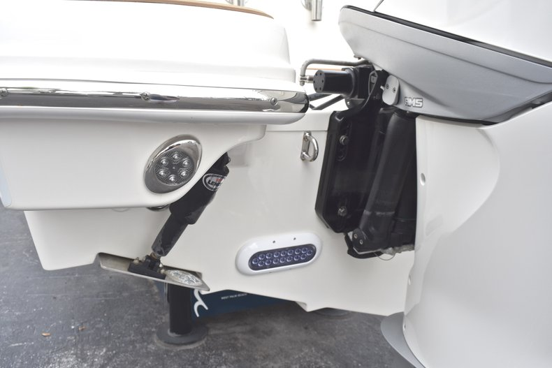 Thumbnail 8 for Used 2017 Boston Whaler 270 Vantage boat for sale in West Palm Beach, FL