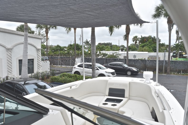 Thumbnail 86 for Used 2017 Boston Whaler 270 Vantage boat for sale in West Palm Beach, FL