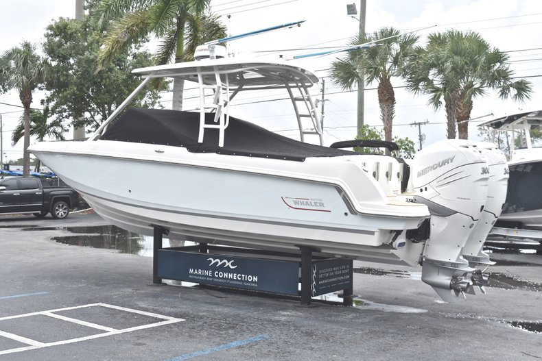 Thumbnail 88 for Used 2017 Boston Whaler 270 Vantage boat for sale in West Palm Beach, FL