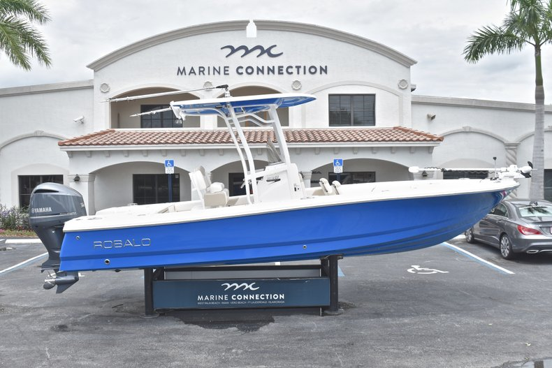 Used 2017 Robalo 246 Cayman boat for sale in West Palm Beach, FL