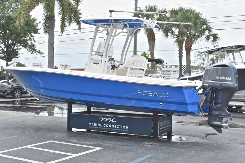 Thumbnail 6 for Used 2017 Robalo 246 Cayman boat for sale in West Palm Beach, FL