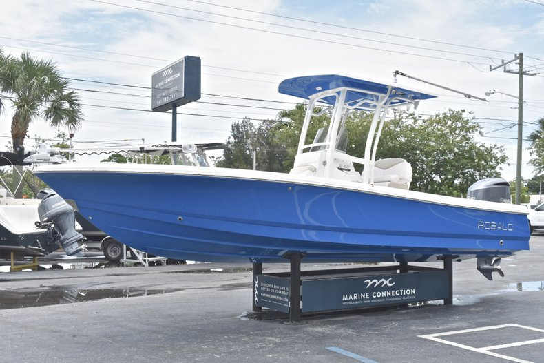 Thumbnail 4 for Used 2017 Robalo 246 Cayman boat for sale in West Palm Beach, FL