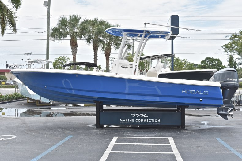 Thumbnail 5 for Used 2017 Robalo 246 Cayman boat for sale in West Palm Beach, FL