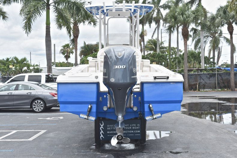 Thumbnail 8 for Used 2017 Robalo 246 Cayman boat for sale in West Palm Beach, FL